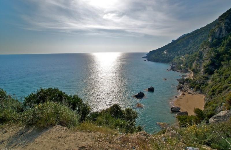 Μυρτιώτισσα:η παραλία των γυμνιστών στην Κέρκυρα