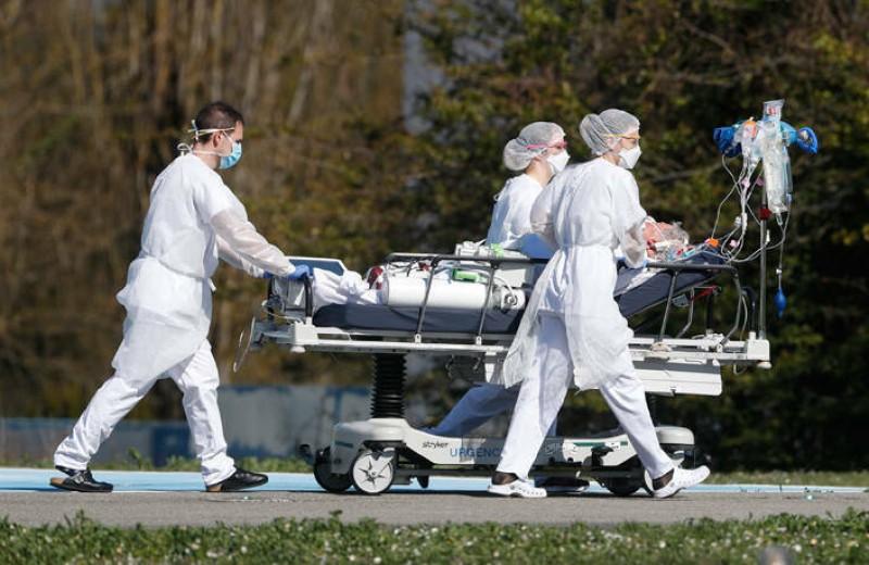 Πάνω από 40.000 νεκροί και 800.00 κρούσματα στον κόσμο